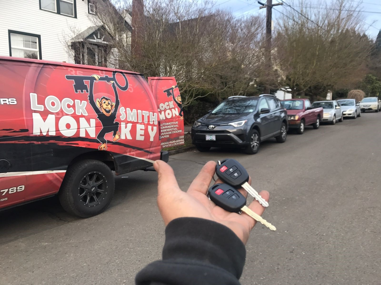2016 Toyota Rav4 car key fob replacement made after lost - Auto Locksmith Portland